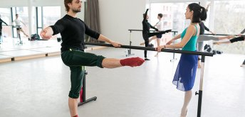 Daily Morning Class: Laura Macken (Ballet)