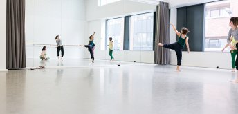 Contemporary Dance Online with Deirdre Griffin